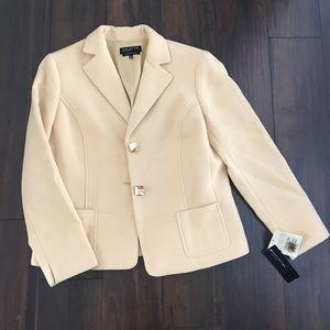 🧥 Cream Jacket 🧥